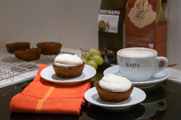 http://kaffawildkaffee.blogspot.ch/2014/09/biscuit-leger-au-chocolat-et-cafe.html