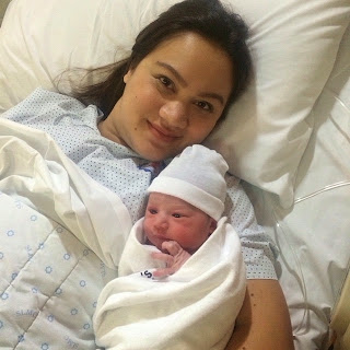 Melissa Ricks gives birth