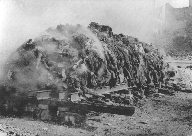 Mass cremation German civilians killed