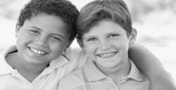 Tips Mendidik Anak Laki-Laki Dalam Mencari Sahabat