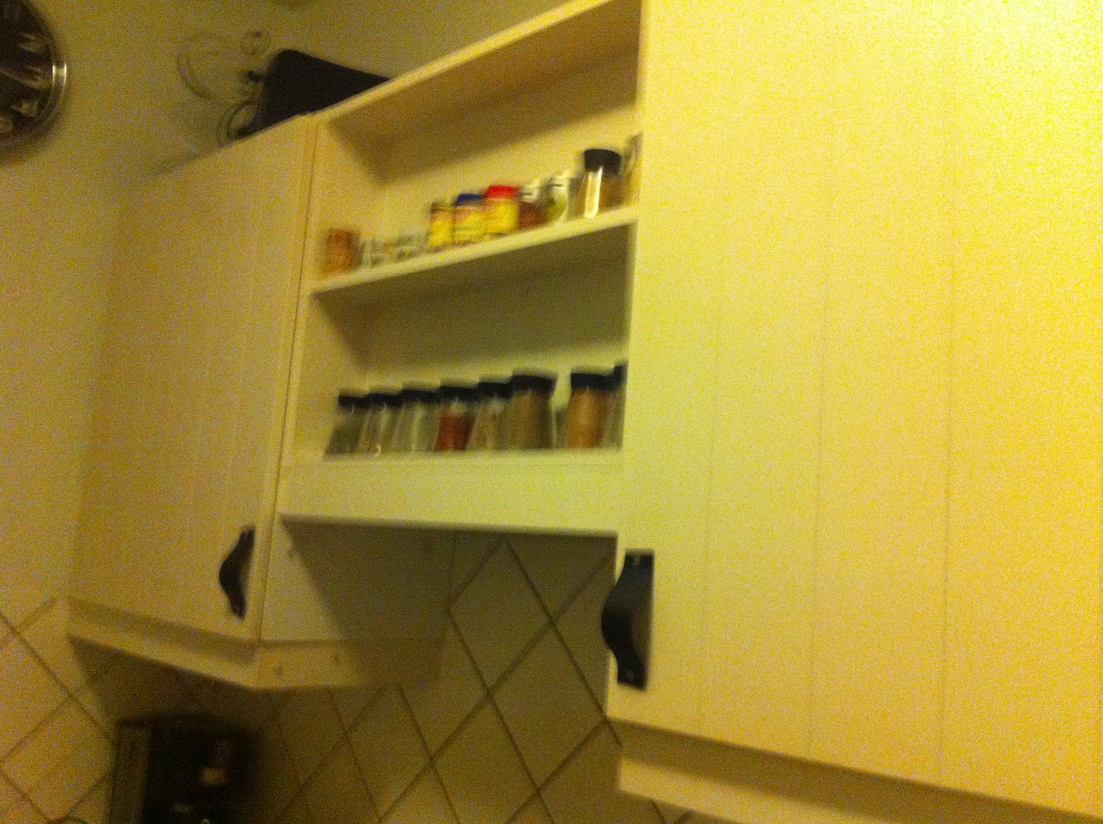 See U later, Decorator!: Lædergreb i køkkenet! DIY!