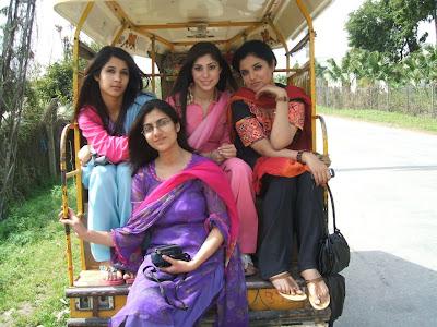 Beautiful Pakistani College Girls Trip Pictures Gallery1