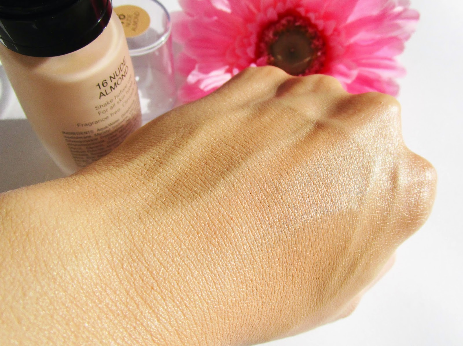Base de maquillaje Nude Sensation  IsaDora