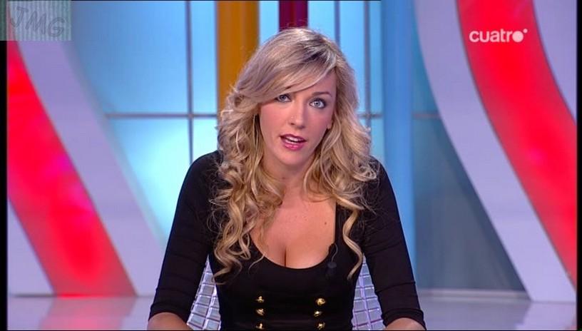 ANNA SIMON, Vestido negro, (02.09.10) RESUBIDO)