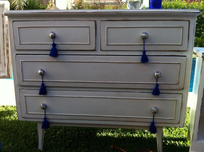 Vintouch muebles reciclados pintados a mano comoda - Comoda vintage blanca ...