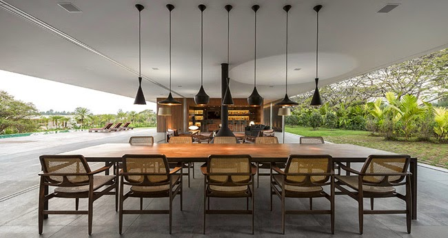Casa minimalista en brasil minimalistas 2015 for Casa minimalista en