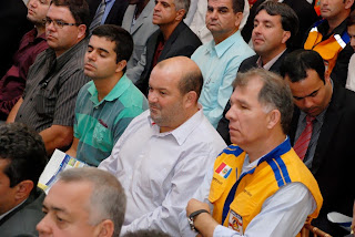 Vice-prefeito Márcio Catão e secretário de Defesa Civil, coronel Roberto Silva, representam o Executivo Municipal no lançamento do plano estadual de proteção contra desastres naturais
