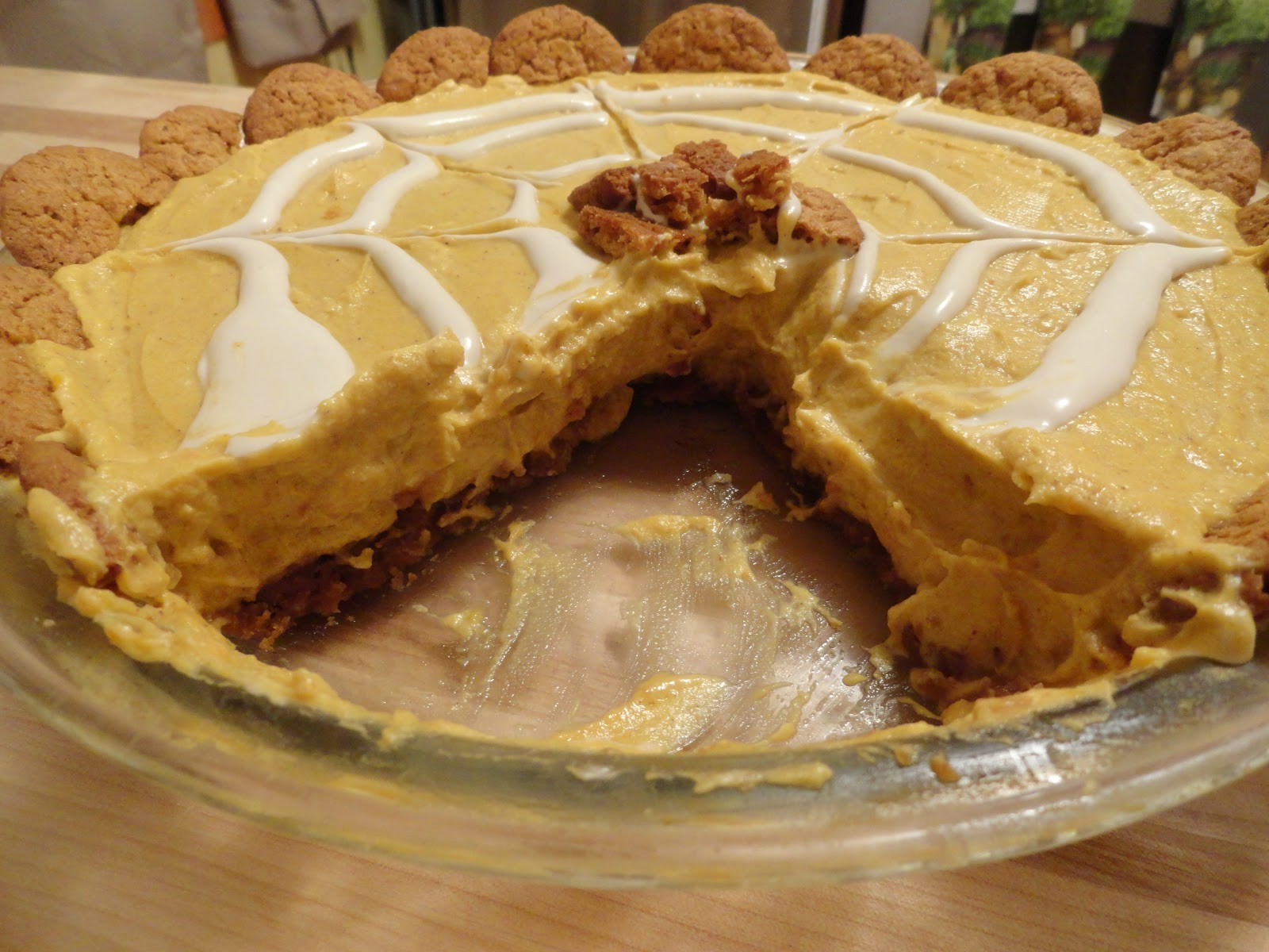 "Pumpkin Cream Cheese Pie with Gingersnap Cookie Crust | The ""V"" Word"