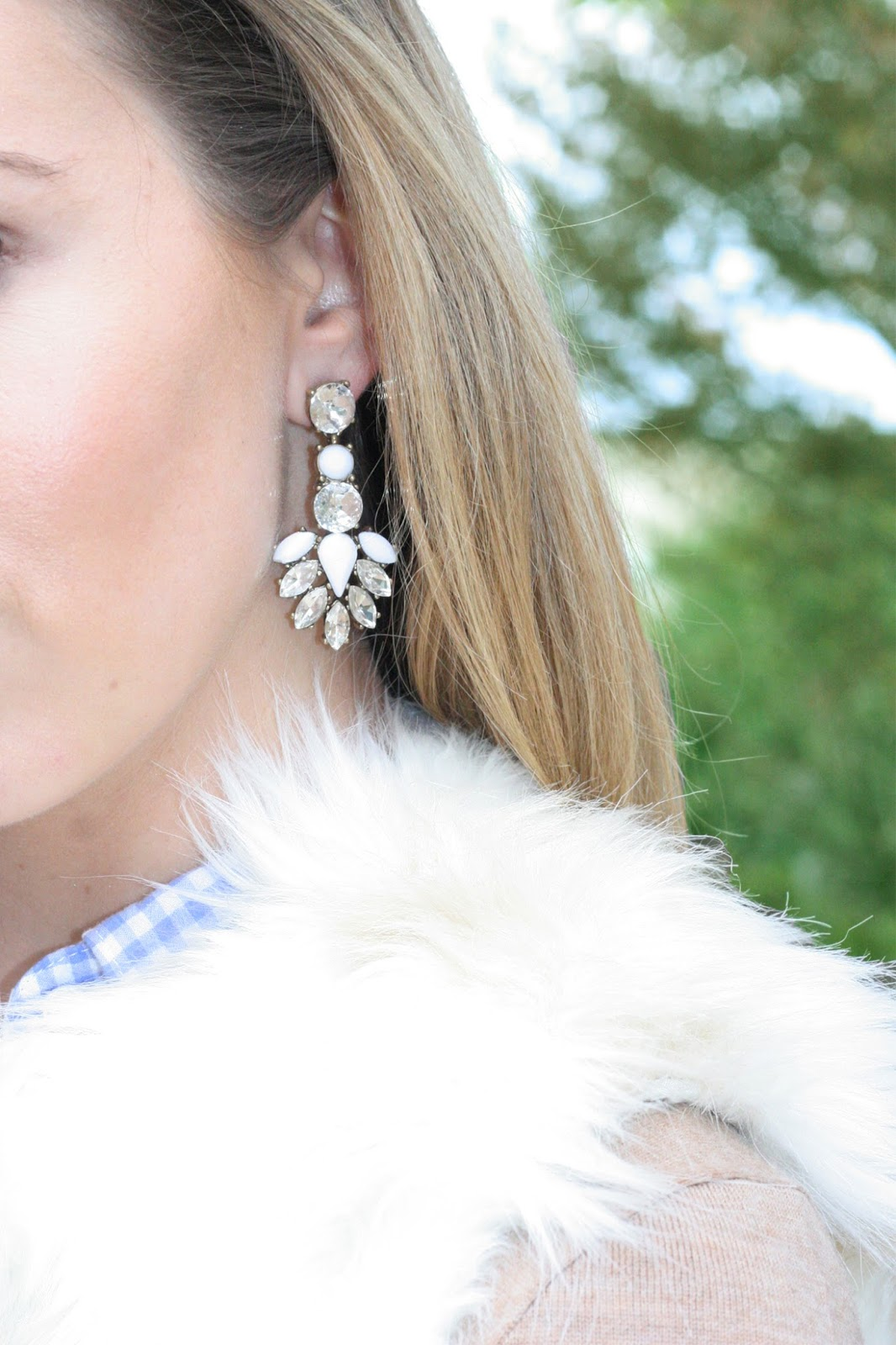 white-statement-earrings-with-realistic-white-faux-fur