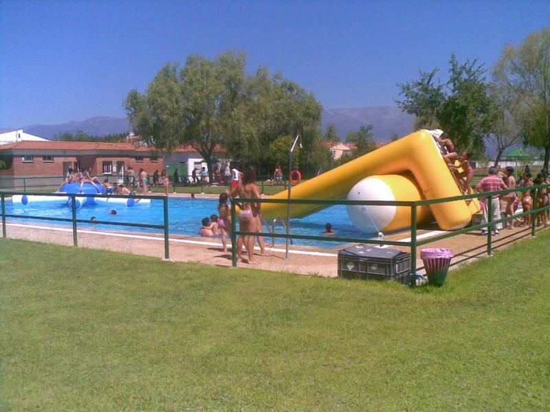 En la piscina for Piscina quintanar de la orden