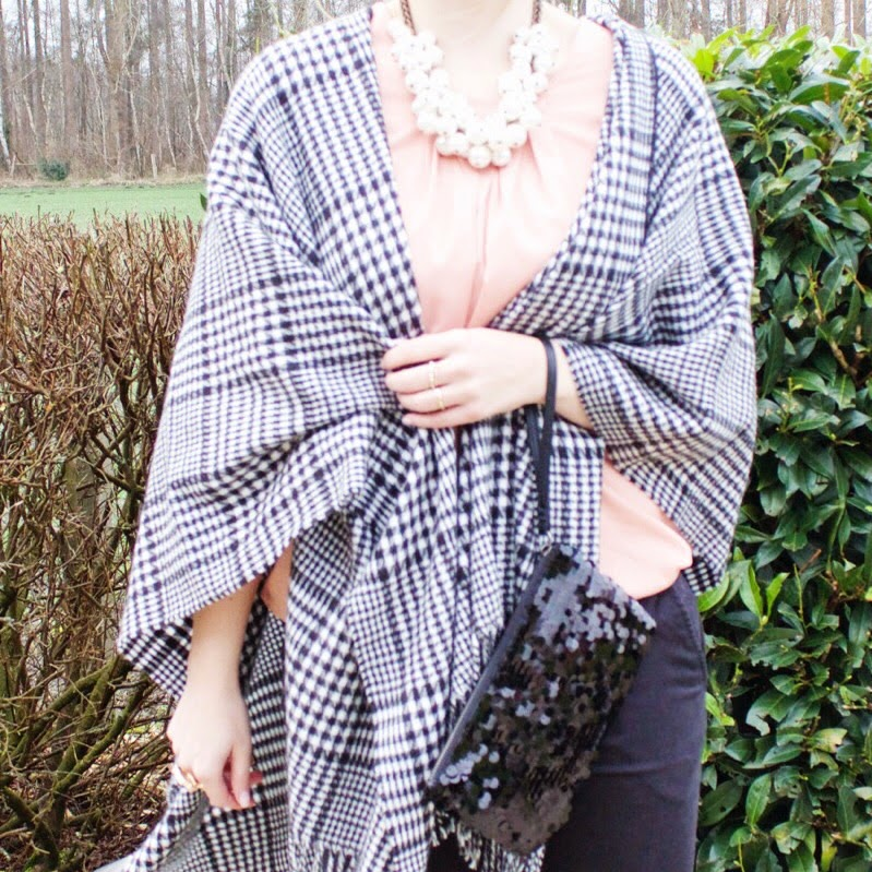 Outfit-Shoppinator-Poncho