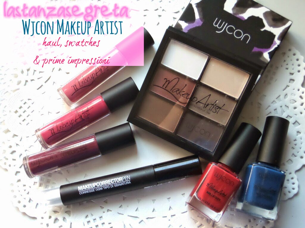 http://www.lastanzasegreta.blogspot.it/2014/10/postazione-makeup-wjcon-makeup-artist.html