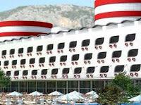 gemi-şeklinde-otel-antalya-kemer-queen-elizabeth