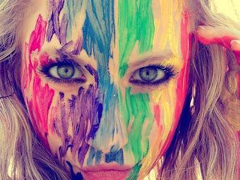 ser aquel que solo sabe y recomienda, hacer locuras sin que nadie entienda:)