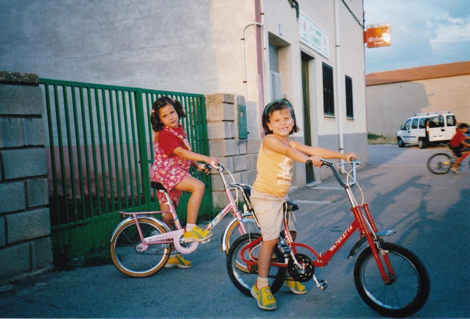 Pedaleando la bicicleta azul de amanda - La bici azul ...