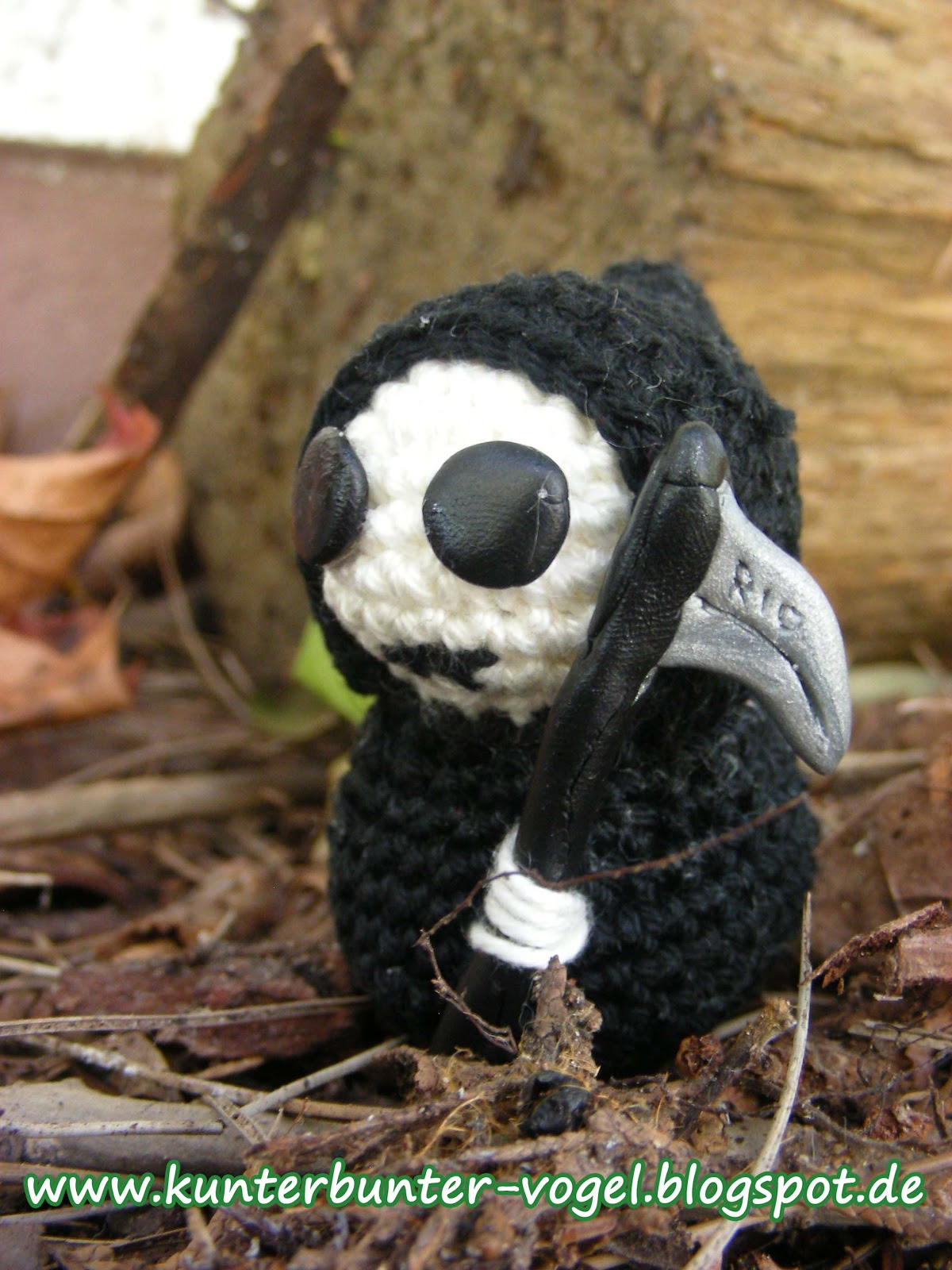 Kunterbunter Vogel Buchrezension Mini Monster Amigurumi