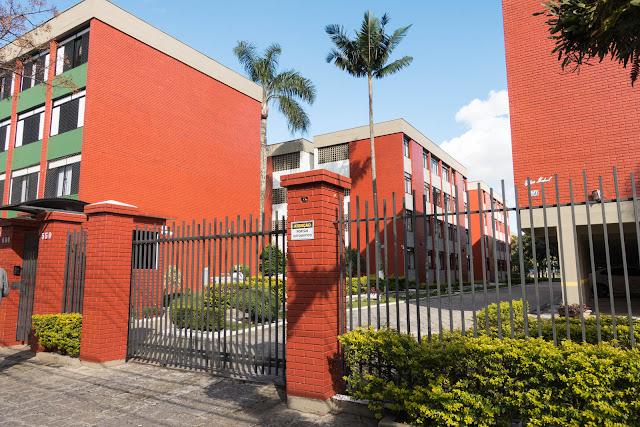 Conjunto Independência, localizado na Av. Senador Souza Naves, Curitiba