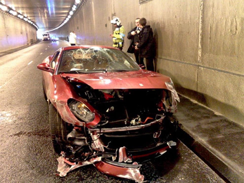 fatal car accident photos fatal car accident photos death. Black Bedroom Furniture Sets. Home Design Ideas