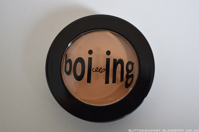 a picture of benefit boiing concealer