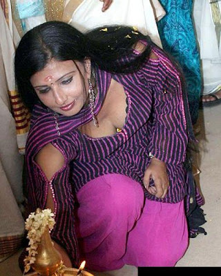 gulfjobportal serial actress boobs and cleavage in an