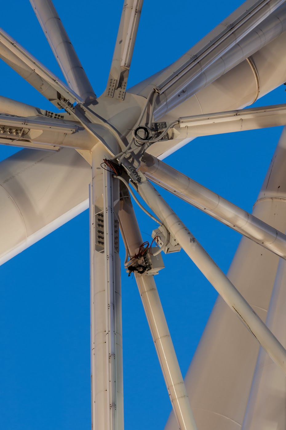 Southern star, Melbourne star, wheel, observatory wheel, Australia, sanoyas rides, corporation, architecture, architectural, architects, abstract, abstractional, abstraction, Melbourne, ride, tim macauley, detail, steel, structure, star