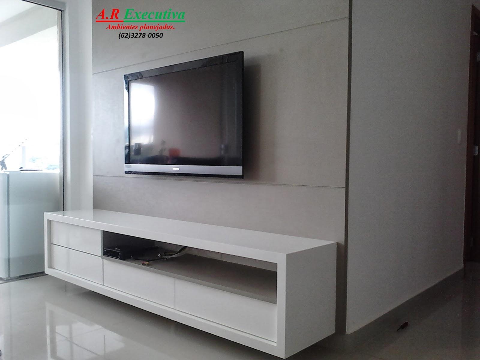 Painel P Tv Em Mdf Madeirado Com Rack Frente Das Gavetas Em Vidro  #A02C2B 1600 1200