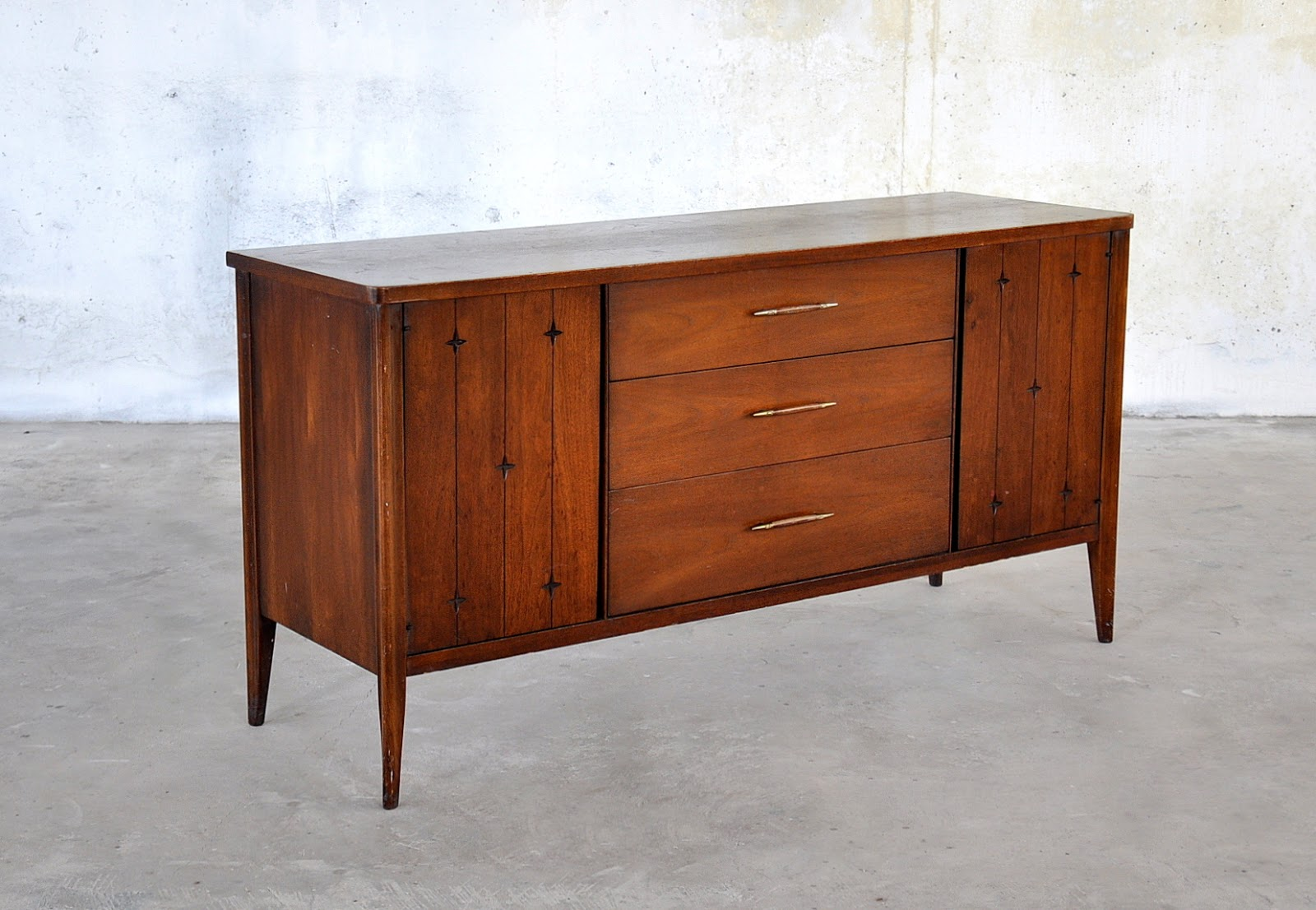 select modern mid century modern credenza buffet sideboard server or bar. Black Bedroom Furniture Sets. Home Design Ideas