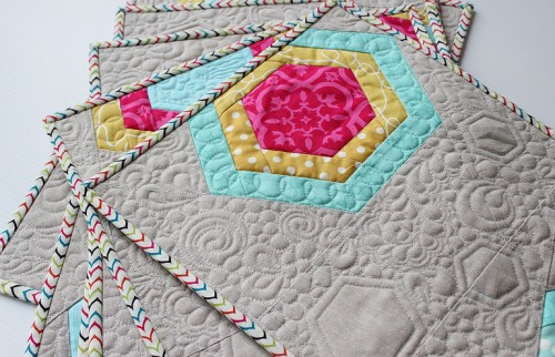 Improv Piece Hexagon, for a modern quilt - Tutorial
