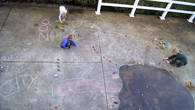 http://blogs.kidspot.com.au/villagevoices/chalk-and-toy-imaginative-fun-for-kids/