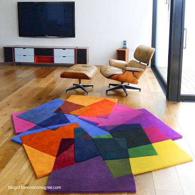 Alfombra contemporánea a colores