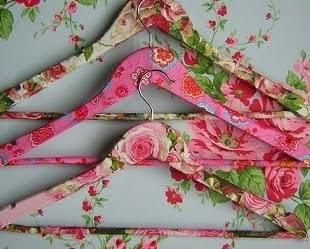 http://www.aprenderahacer.com/como-reciclar-los-ganchos-de-la-ropa/