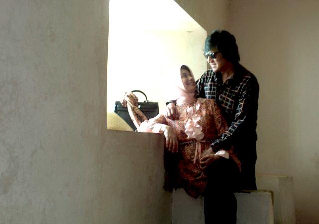 Cinta Ikang Fawzi & Marissa Haque Terpatri di UGM melalui FEB & FH, Feb 2011