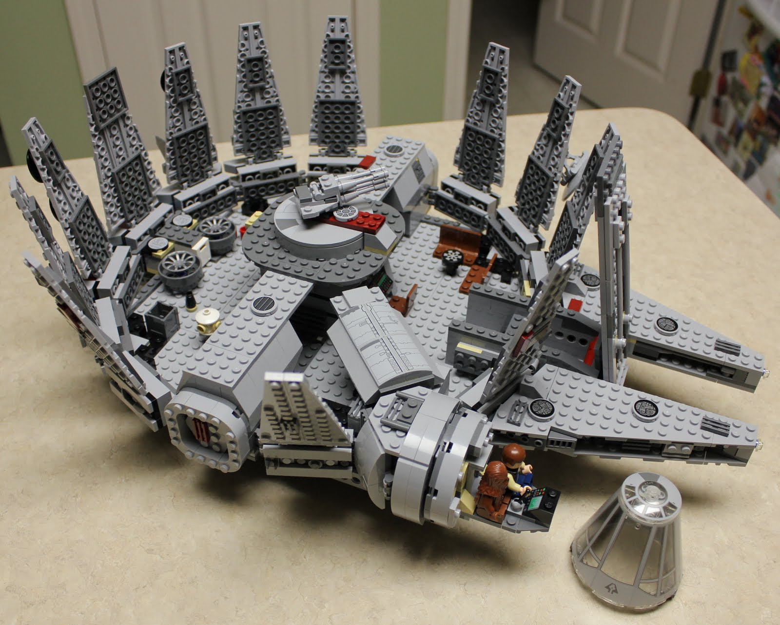 ultimate collectors millenium falcon lego