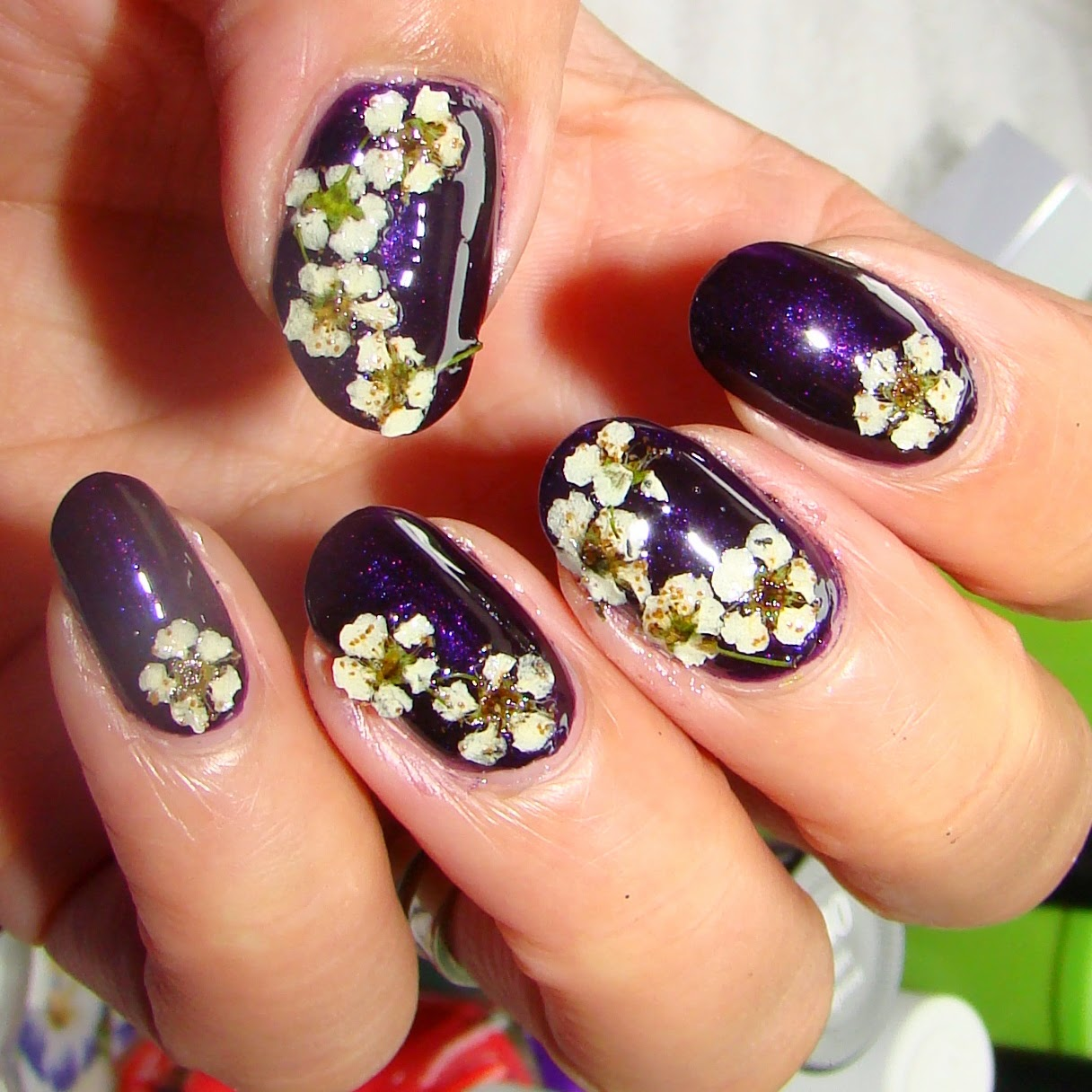 Scented Polish and Pretty Pressed Flowers | Pretty Nails and Tea