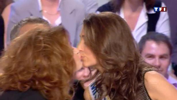 Miss France Armelle s'embrassent aux Enfants de la télé sur TF1