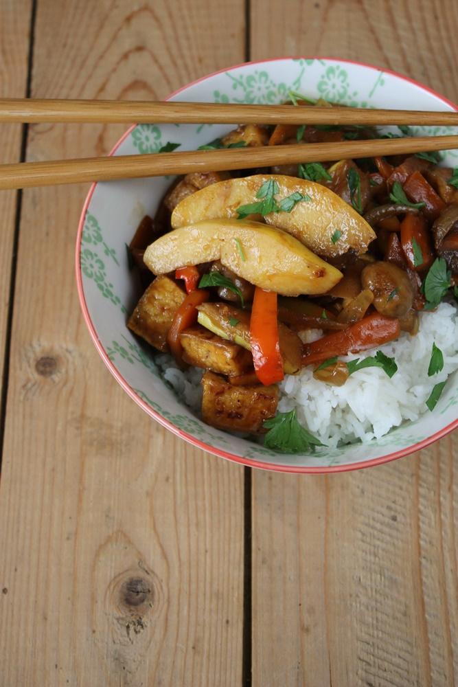 Gebratenes Gemüse mit Tofu und Quitten