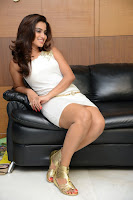 Romance heroine Dimple Chopade Thighs Hot Photos