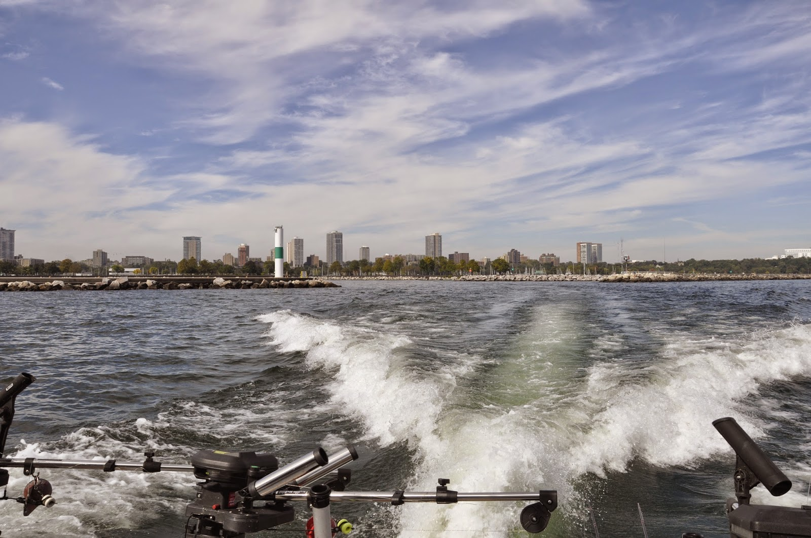 Lake michigan charter boat adventure for Milwaukee charter fishing