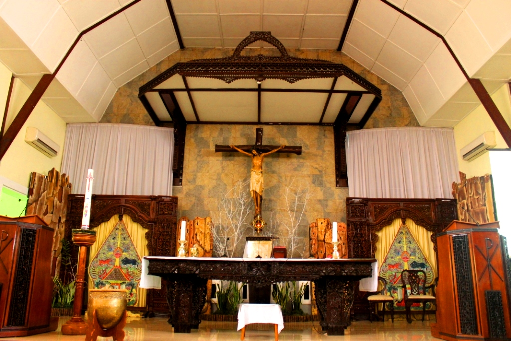 Paroki Santo Yohanes Evangelista Kudus