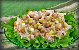 Салат из курятины с яблоками