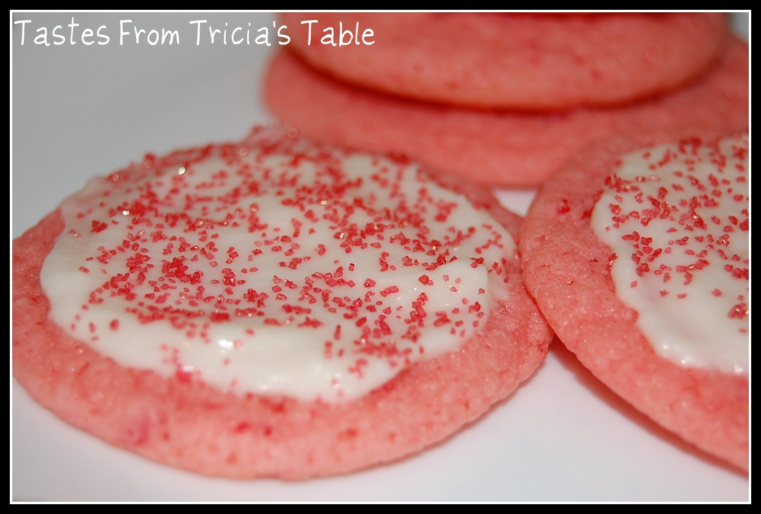 Tastes From Tricia's Table: Strawberry Cake Mix Cookies