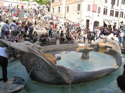 Fontana-della-Barcaccia-Piazza-di-Spagna-Rome-Italy