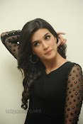 Kriti Sanon Photos at 1 Nenokkadine Audio Release-thumbnail-3