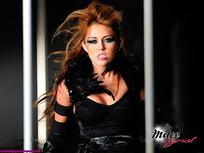 Miley Cyrus makeup Wallpaper