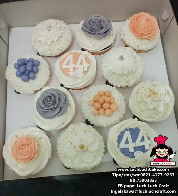 Cupcake Bunga Cantik Untuk Ibu