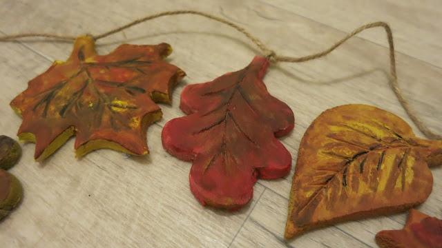 Цветы и листья из соленого теста 13