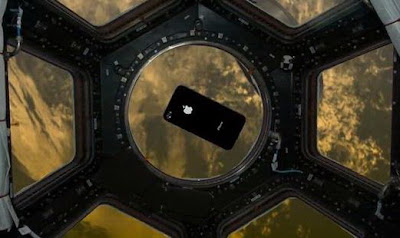 iPhone 4 in Space