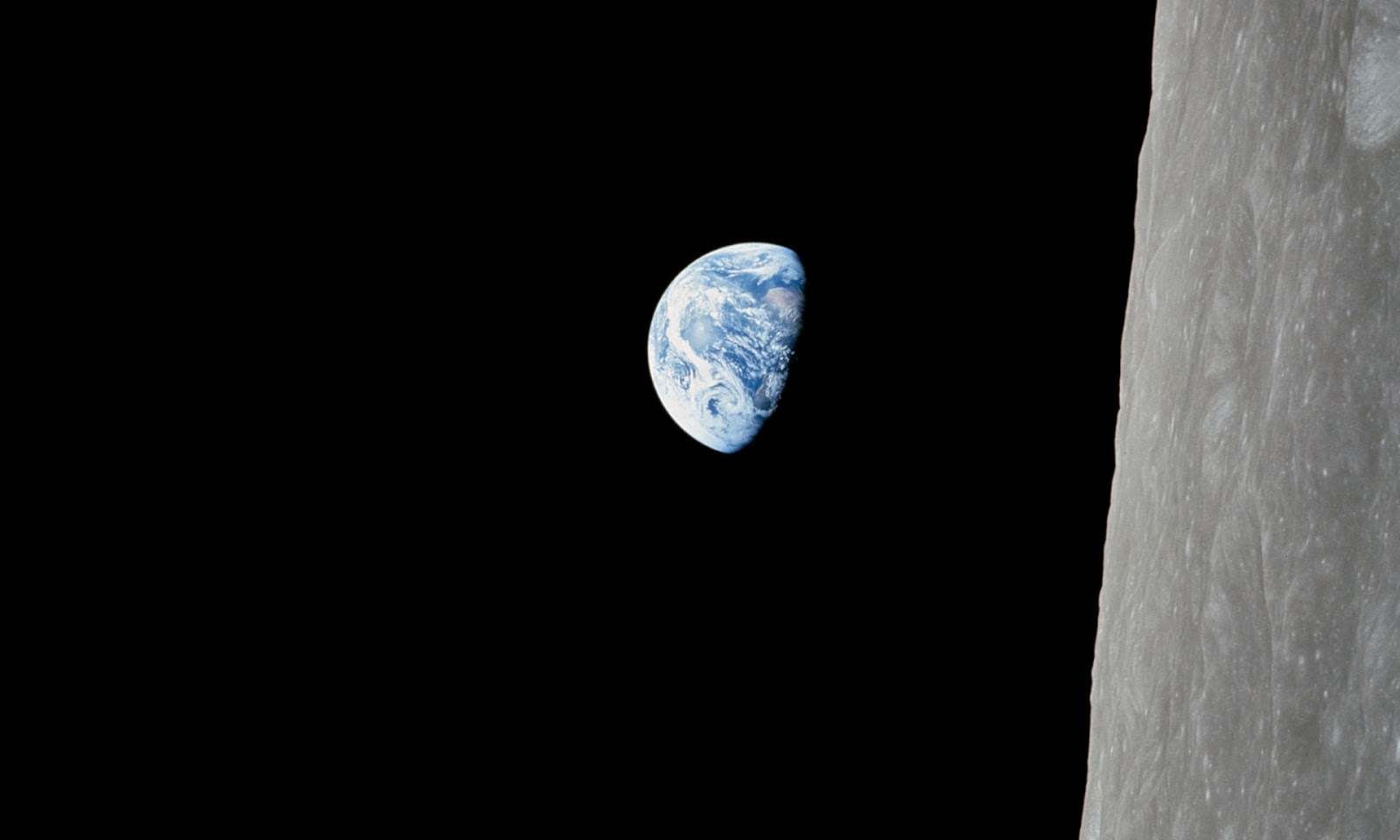 Photograph, Bill Anders/Appolo 8: The 'blue, beautiful world' seen from space.
