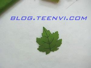 Bước 4: Đặt 2 chiếc lá vừa khít nhau rồi khâu 2 mảnh lá vào - Teenvi Blog
