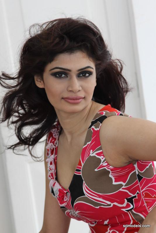 Sri Lankan Art: Sri Lankan Sexy Model Hirunika ...